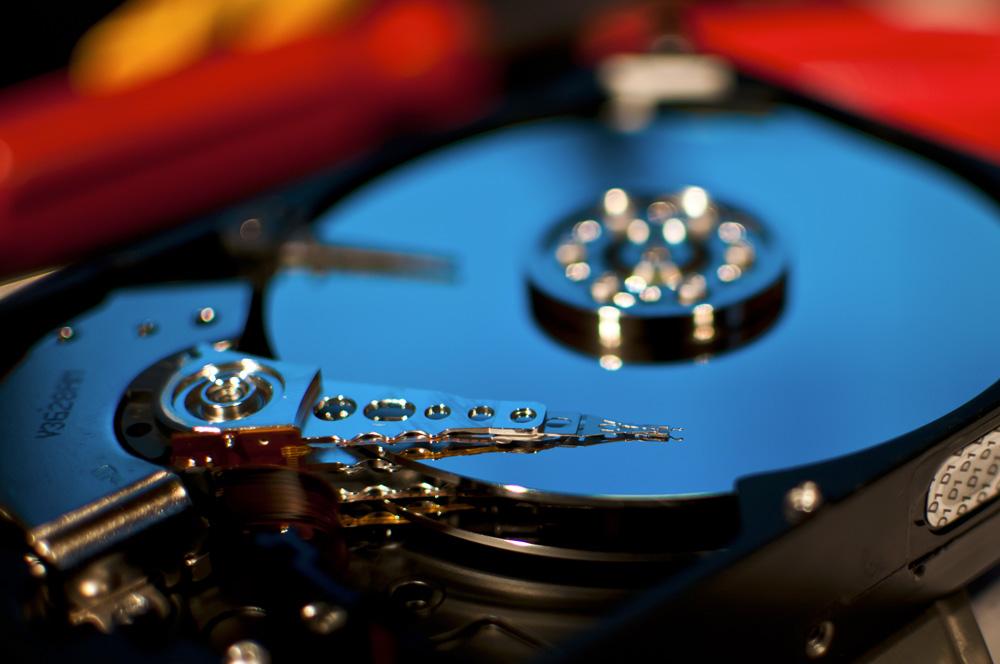 تصویری از هارد دیسک